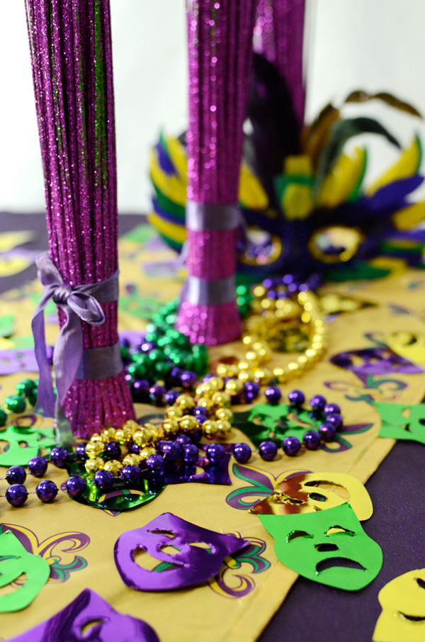 Party ideas by mardi gras outlet table