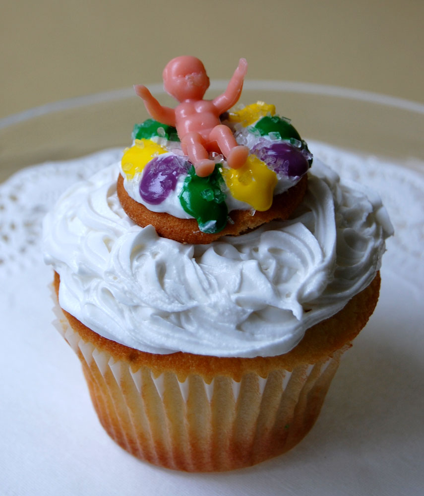 Party Ideas by Mardi Gras Outlet: Mardi Gras King Cake Cupcakes