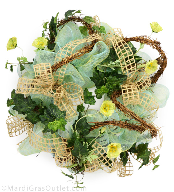 video tutorial how to make a deco mesh wreath