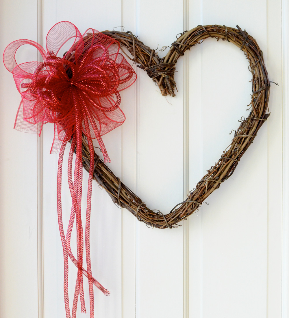 Valentine s day wreath ideas with deco mesh amp work wreath forms